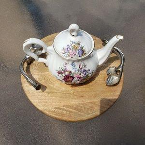 Grace's teaware tea pot